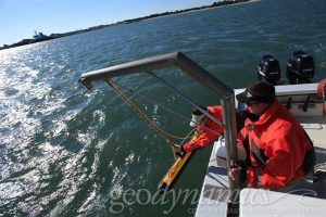 deploying a sidescan sonar